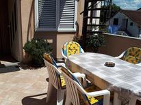 Holiday apartment 667047 for 5 persons in Tar-Vabriga