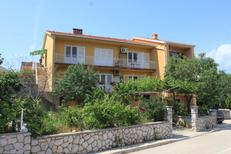 Holiday apartment 667810 for 5 persons in Cres