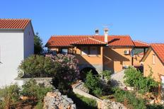 Holiday apartment 668026 for 4 persons in Ilovik