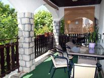 Appartement 669367 voor 6 personen in Njivice