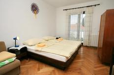 Appartement 669612 voor 4 personen in Novi Vinodolski