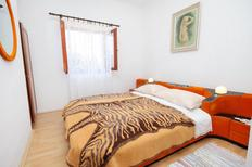 Holiday apartment 669650 for 5 persons in Novi Vinodolski