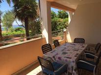 Appartement de vacances 670126 pour 5 personnes , Povljana