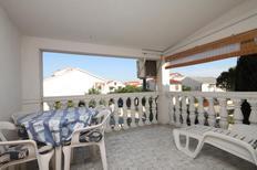 Appartement 670138 voor 5 personen in Povljana