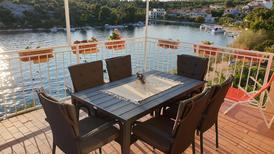 Holiday apartment 671422 for 6 persons in Grebastica