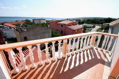 Appartement 671960 voor 6 personen in Maslenica