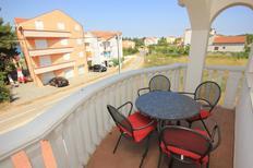 Appartamento 672197 per 4 persone in Pašman