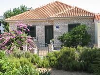 Villa 672220 per 7 persone in Pašman