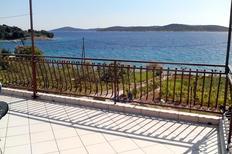 Ferienwohnung 673033 für 4 Personen in Prvic Sepurine
