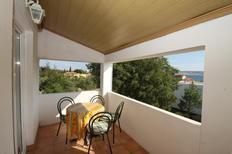 Appartement 673654 voor 4 personen in Starigrad-Paklenica