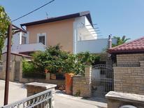 Appartement 673773 voor 4 personen in Sukošan