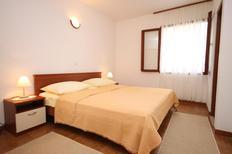 Appartement 675203 voor 3 personen in Baska Voda