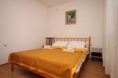Ferienwohnung 676116 für 3 Personen in Gradac