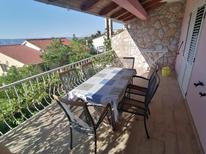 Holiday apartment 676437 for 5 persons in Jelsa