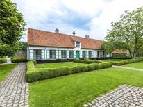 Vakantiehuis 676682 voor 18 personen in Beernem