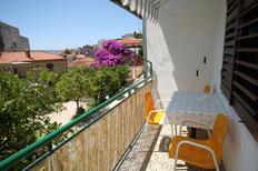 Holiday apartment 676810 for 8 persons in Makarska