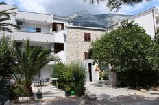 Appartement 676857 voor 5 personen in Makarska