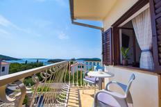 Ferienwohnung 676995 für 3 Personen in Maslinica