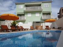 Appartement 677592 voor 6 personen in Okrug Gornji
