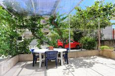 Appartement 677635 voor 5 personen in Omiš