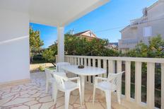 Ferienwohnung 678447 für 6 Personen in Poljica bei Trogir