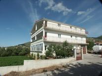 Appartamento 678839 per 6 persone in Seget Donji