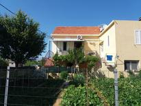 Holiday apartment 679446 for 6 persons in Sućuraj