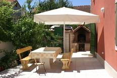 Holiday apartment 679636 for 7 persons in Supetar