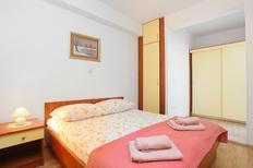 Ferienwohnung 679873 für 3 Personen in Tučepi