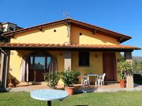 Ferienhaus 681805 für 5 Personen in Pescia
