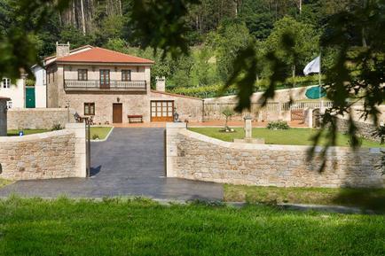 Villa 682857 per 7 persone in Santiago de Compostela