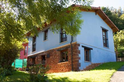 Casa de vacaciones 683007 para 2 adultos + 2 niños en Villaviciosa