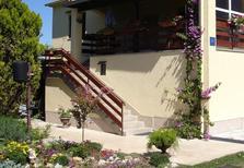 Appartamento 685474 per 5 persone in Turanj