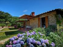 Ferienwohnung 686240 für 4 Personen in Loro Ciuffenna