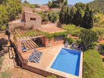 Ferienhaus 687891 für 9 Personen in Es Carritxo