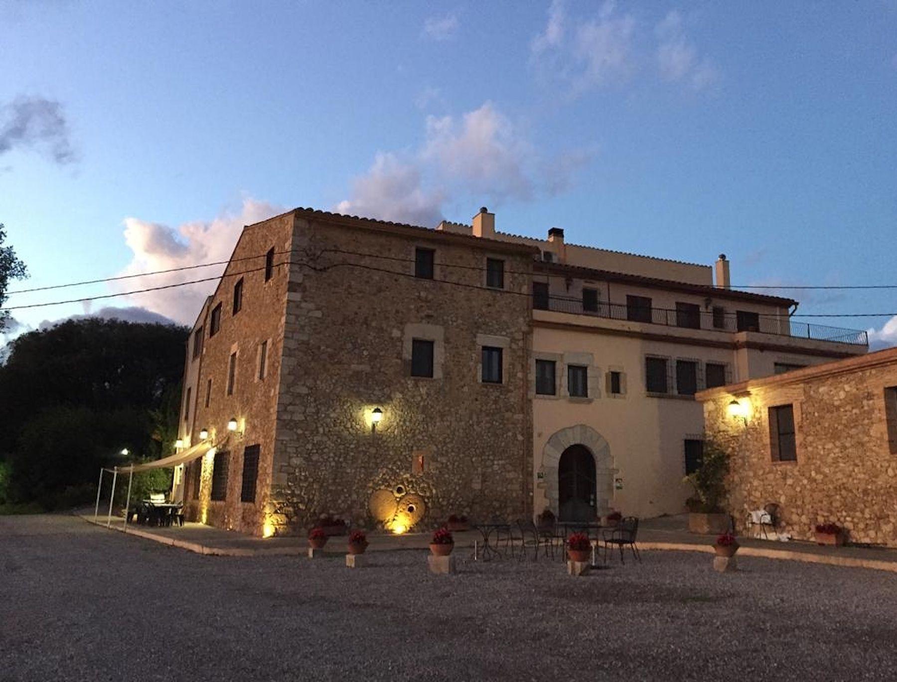 Ferienhaus Für 20 Personen In Vilanant | Atraveo Objekt Nr. 689690