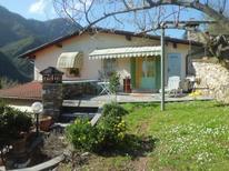 Villa 690164 per 4 persone in Seravezza