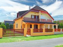 Vakantiehuis 695168 voor 5 personen in Balatonmariafürdö