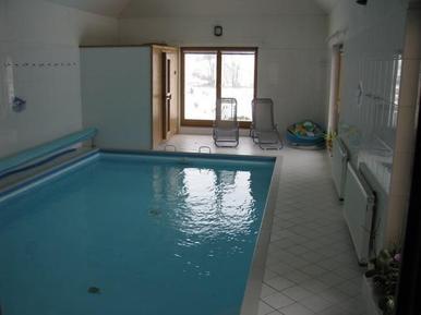 Ferienhaus 696440 für 8 Erwachsene + 4 Kinder in Karlsbad