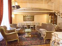 Appartement 699916 voor 8 personen in Florence