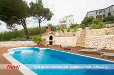 Ferienwohnung 704679 für 8 Personen in Split-Kucine