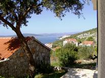 Ferienwohnung 708361 für 6 Personen in Maslinica