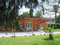 Ferienwohnung 721986 für 5 Personen in Strassoldo