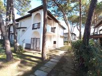 Appartement 723180 voor 9 personen in Lido di Spina