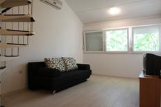 Studio 725518 for 2 adults + 2 children in Červar-Porat