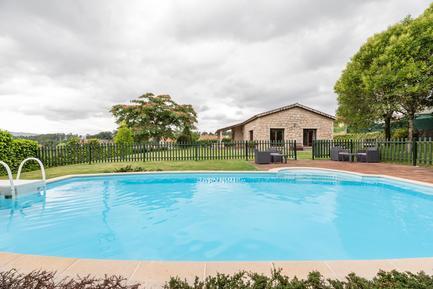 Villa 725877 per 10 persone in Santiago de Compostela