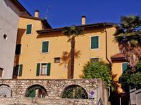 Semesterlägenhet 729885 för 4 personer i Toscolano-Maderno