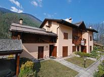 Appartement 729903 voor 4 personen in Almazzago