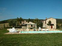Ferienwohnung 733843 für 6 Personen in Asciano
