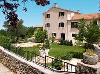 Ferienwohnung 733983 für 4 Personen in Veli Lošinj